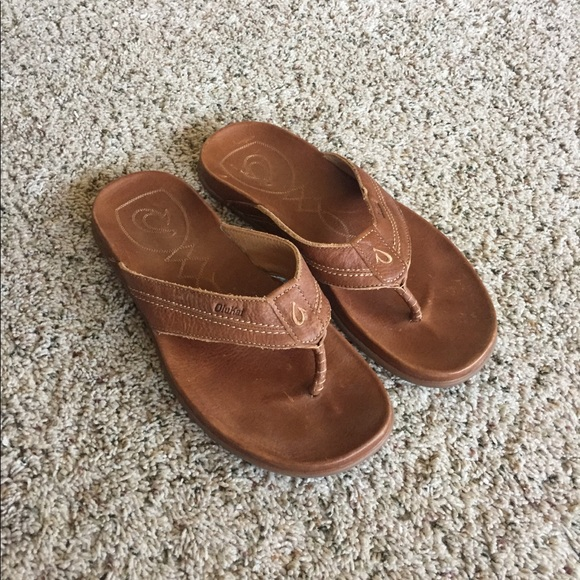 72996d01bef5 Men s OLUKAI  Mohalu  Leather Flip Flops Sandals. M 5af0fd33331627aed57b3a71